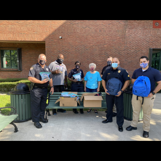 Donation made to DeLand Police by Hope Ministry